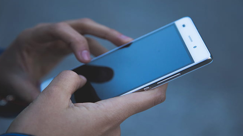 Selling your old smartphone? Follow these essential steps