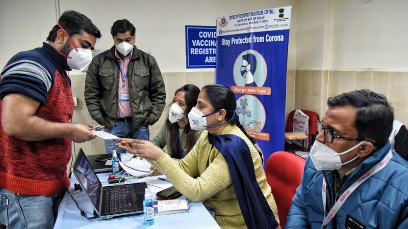 story-vaccine-given-to-people-below-45-years-center-warns-delhi-government-on-disturbances