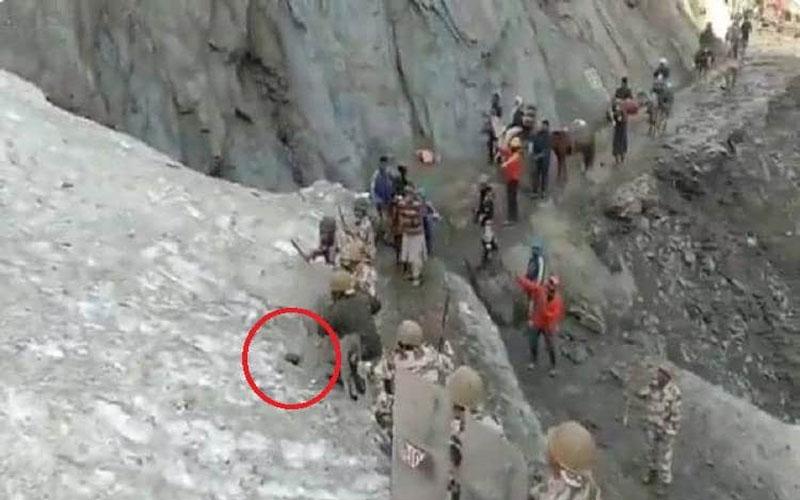 itbp amarnaath yatra landslide pilgrim baba barfani