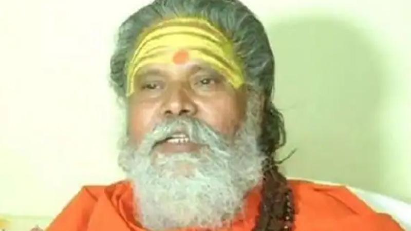 akhara parishad president narendra giri died under suspicious circumstances
