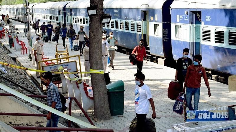 no compulsory corona testing for passengers in ahmedabad railway station