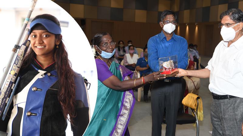 sanskardham sports academy felicitates Olympics 2021 qualifier Elavenil Valarivan's parents