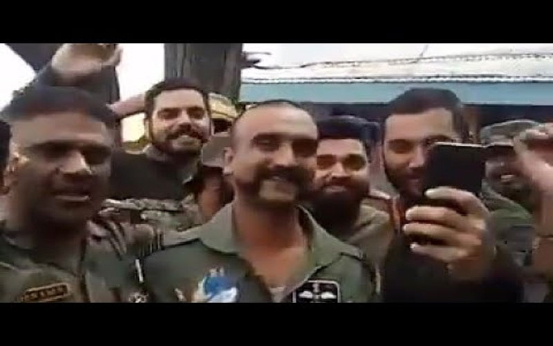 wing-commander-abhinandan-varthaman-interacting-with-his-colleagues-in-jammu