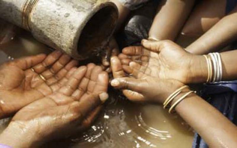અરવલ્લી જીલ્લામાં પાણીનો પોકાર, પીવા માટે પણ પાણી ન મળતા સ્થાનિકોનો વિરોધ