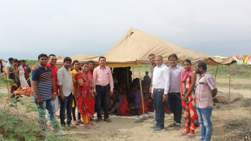 Kutch Banni area students education in Tent