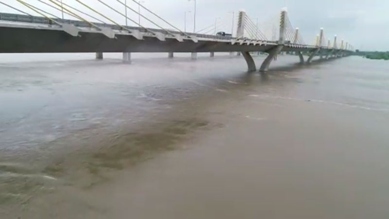 Narmada Rivers level increase at golden bridge in Bharuch