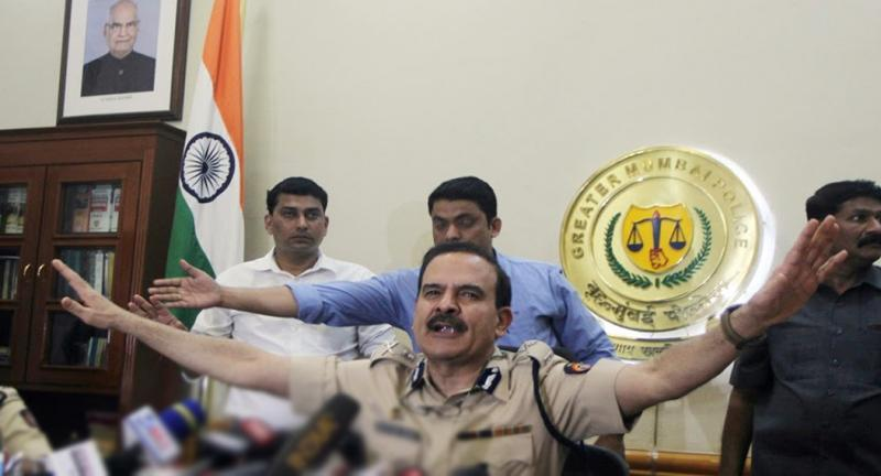 mumbai police commissioner parambirsingh got transffered, cm thackeray gives order