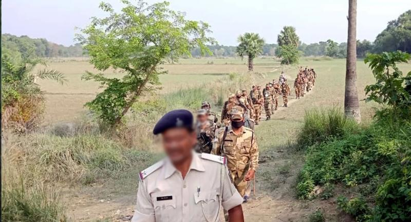 maharashtra-naxalite-arms-manufacturing-unit-busted-encounter-continues-for-48-hours