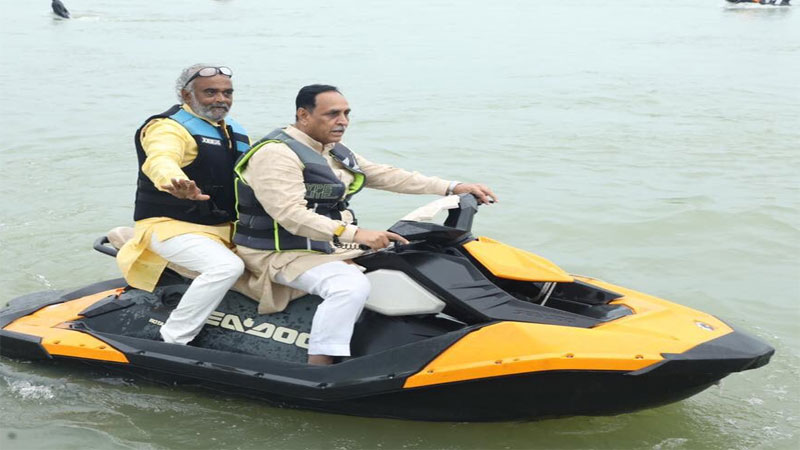 Gujarat CM, Dy CM riding Jet Ski at newly developed water-rich lake in Amreli with Savjibhai Dholakia