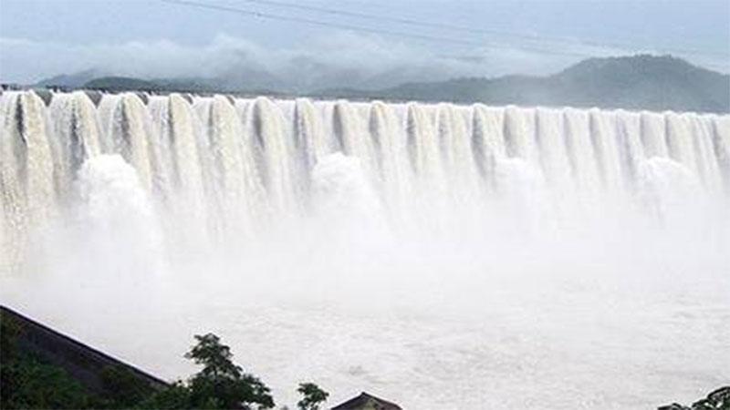 Gujarat Sardar Sarovar Dam water level crosses 138 m alert issued