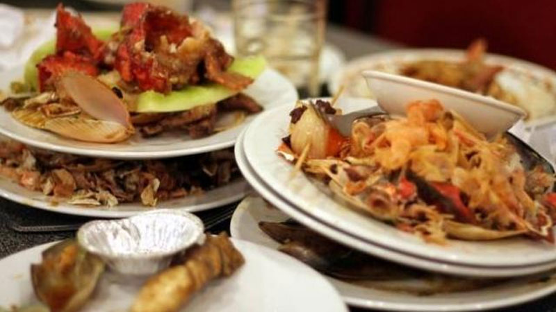 govt to restrict food waste on marriage and parties fssai planning to impose 5 lakh penalty on hotel restaurant