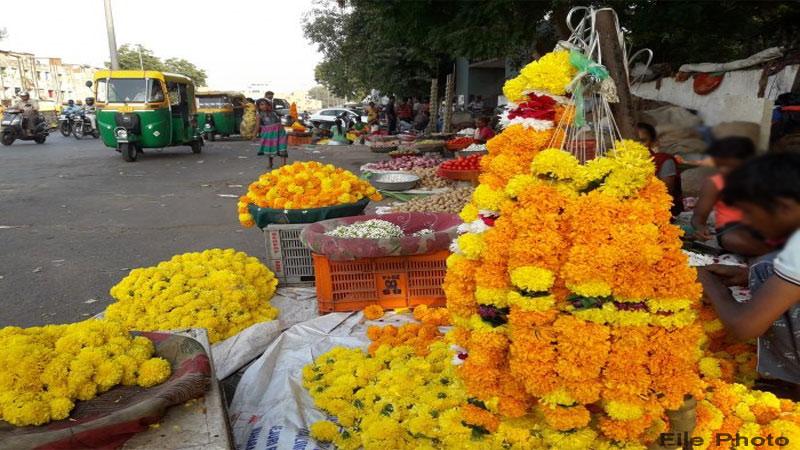Shravan mass Increase in flower prices