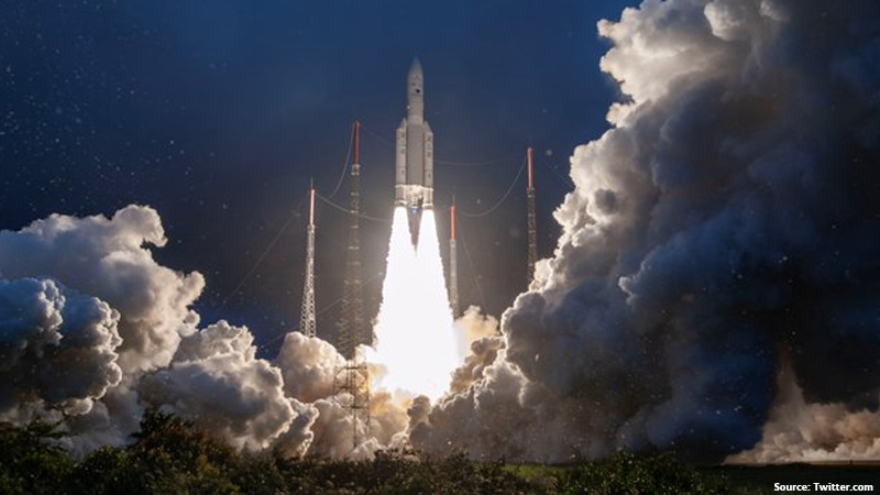ISRO Launched GSAT30 Satellite EUTELSAT KONNECT Ariane 5 Flight VA251 Carrying Successfully Liftoff