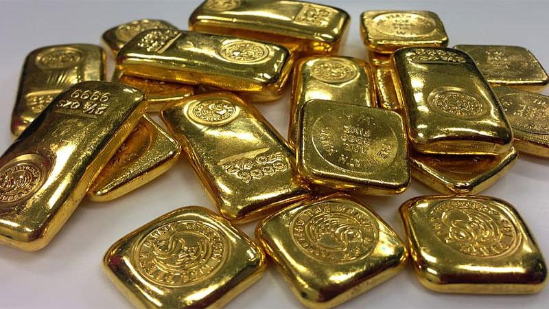 gold prices decrease silver also falls