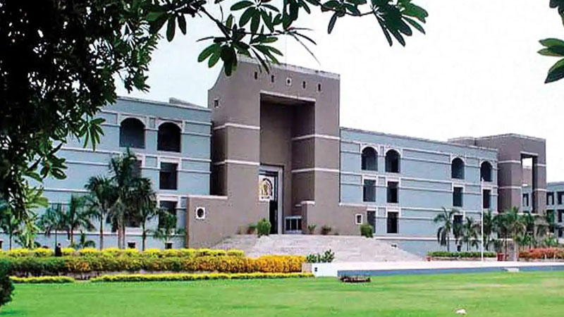 Suomoto application case: Gujarat HC orders govt to make vaccination process easier and more accurate