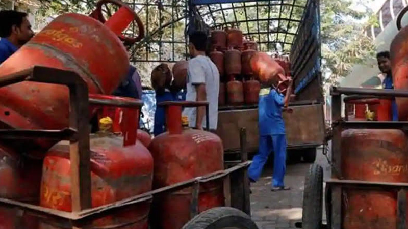 lpg consumers ready to pay rs 1000 per cylinder says government internal assessment no decision on lpg subsidy lpg rate
