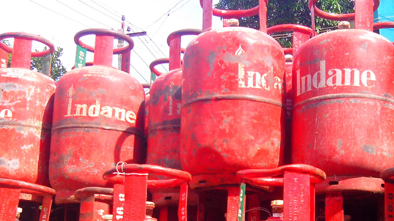 lpg price in india 01 may 2020 lpg gas cylinder indane gas indian oil know  new rate here