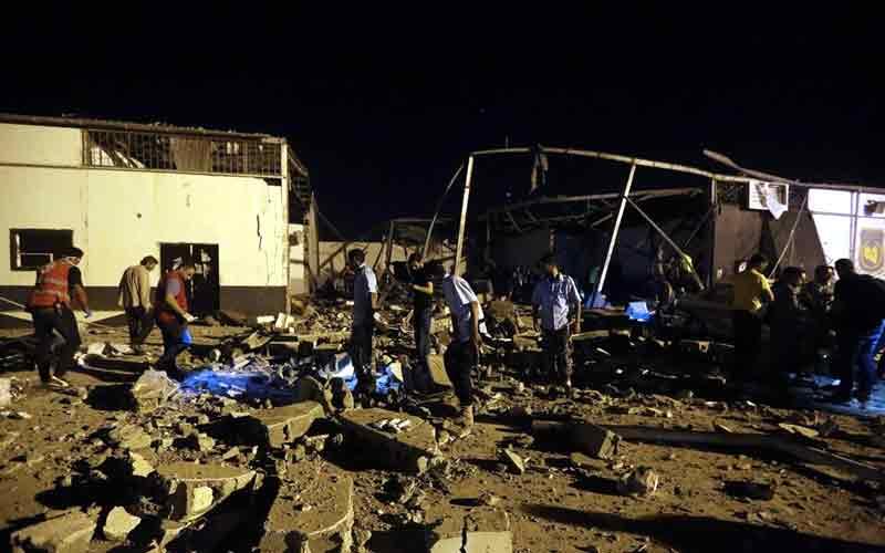Libia, bombardato centro detenzione migranti: almeno 40 morti