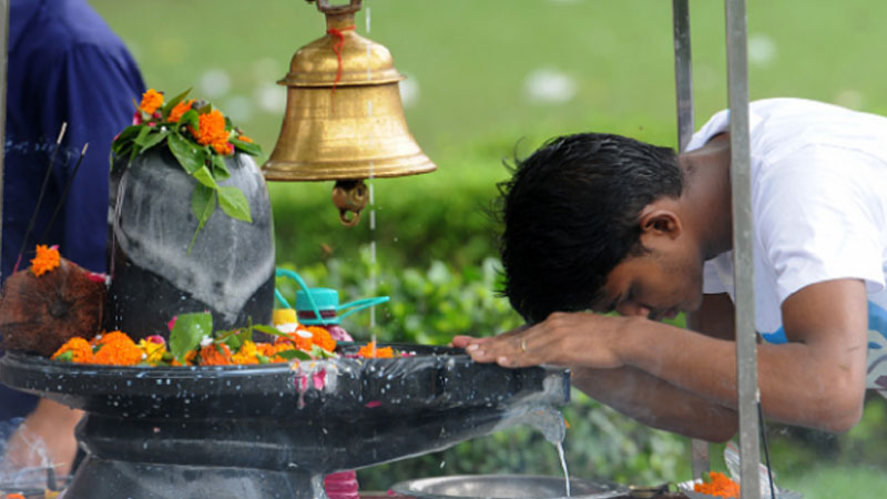 shivling pooja is the worship of all the gods and goddesses