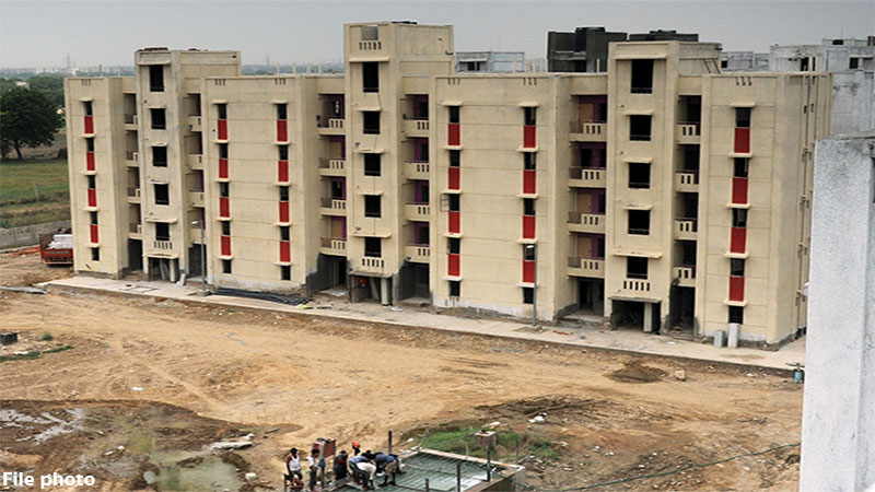 government will occupy 1700 houses of 55 societies in ahmedabad
