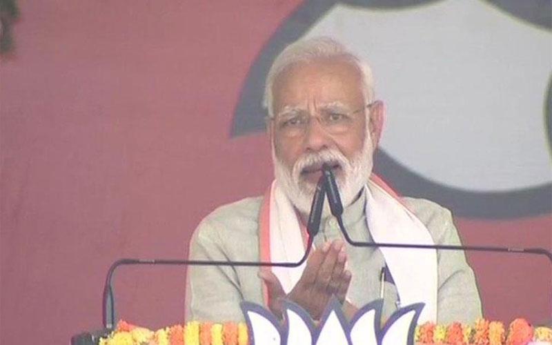દુશ્મન બંદુક લઇને ઉભો હોય ને મારો જવાન શું પરમિશન લેવા જશેઃ PM મોદી