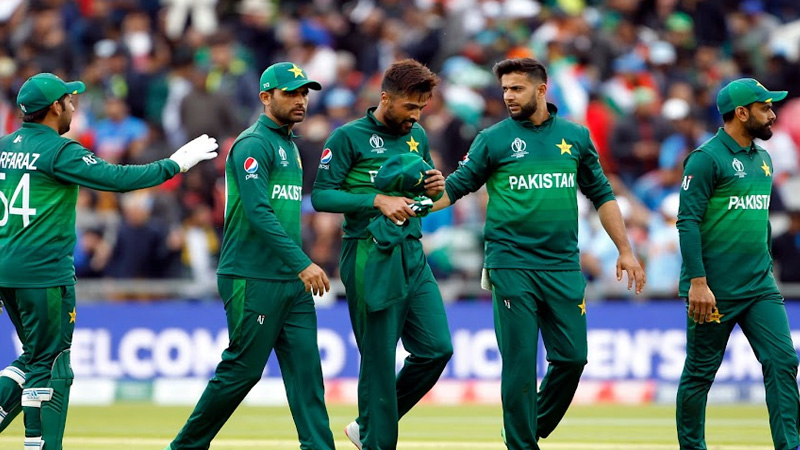 Policemen deployed under the protection of the New Zealand team in Pakistan snatched Rs 3 lakh worth of biryani