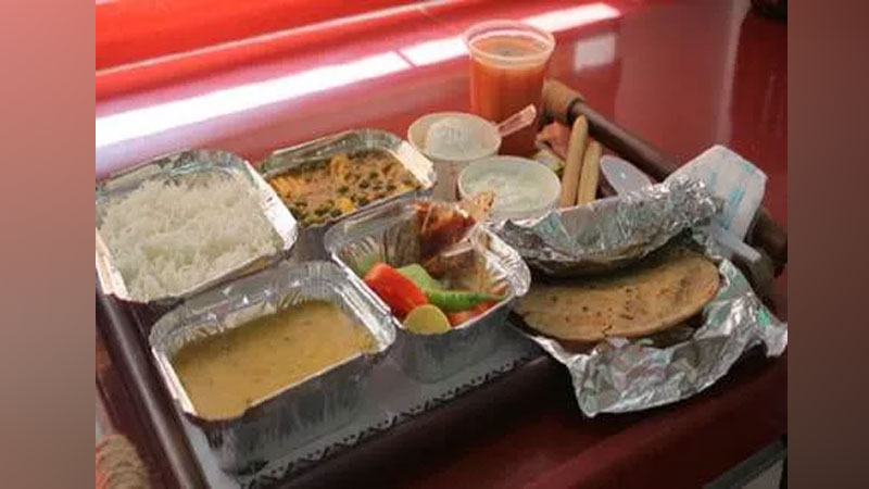 irctc will food delivery in train with qr codes