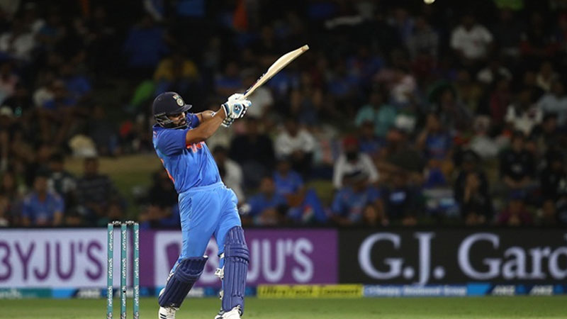 Rohit Sharma share a picture on Twitter with Chris Gayle both smash 900 sixes in International Cricket