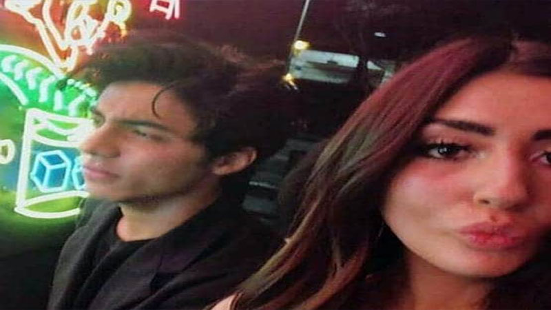 Is Shah Rukh Khan's son Aryan dating a blogger from London?