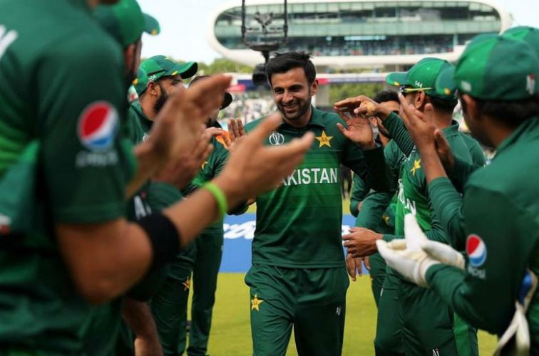 Shoaib Malik retires from ODI cricket to spend more time with family