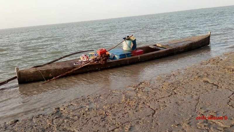 2 Pakistani boats were recovered from Sir Creek, BSF conducted absconding boat aboard