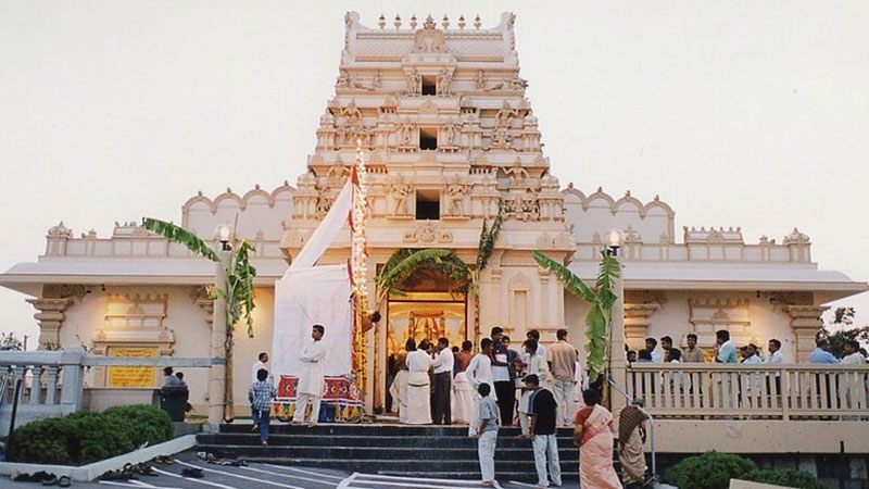 wonderful Benefits of visiting Temple Daily