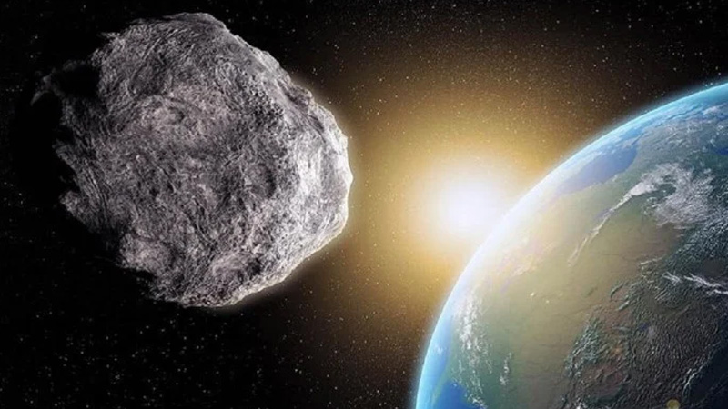 Asteroid Will Pass Between The Moon And The Earth On September 1, Know How Likely It Is To Collide