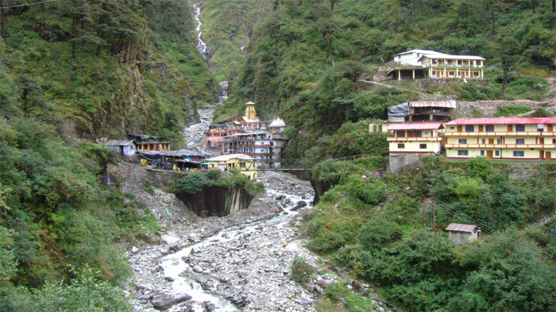 Know the importance of Yamunotri Tour