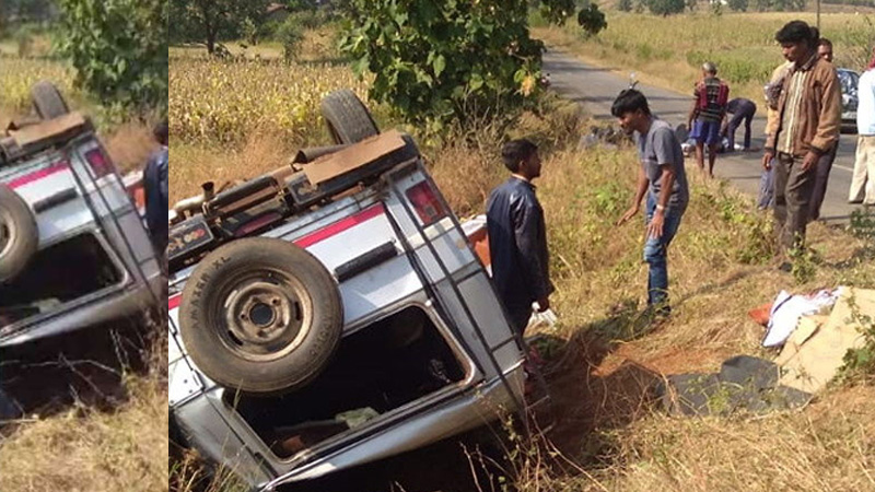 Three death and 10 injured in jeep accident in dang