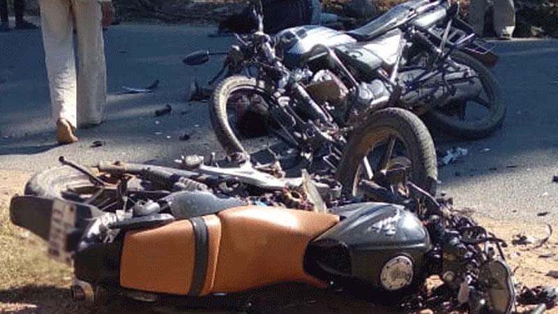 3 killed 2 bikes accident near vijaynagar sabarkantha