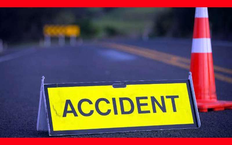 An accident took place near Deesa Banas bridge in the trailer