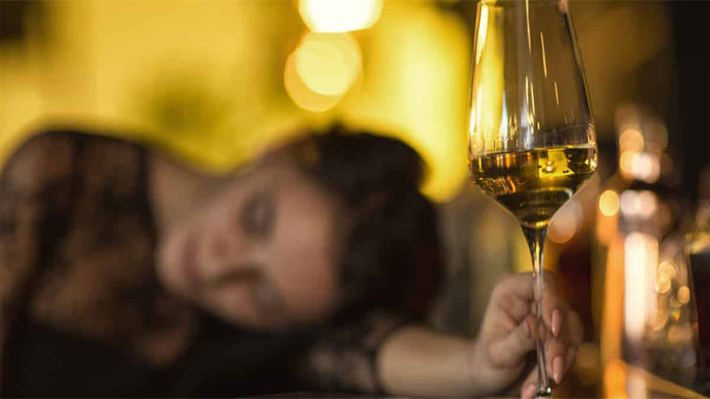 liquor prohibition gujarat govt gave 66 hotels selling wine permit