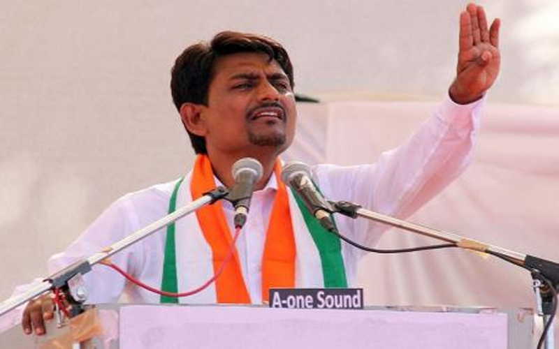 alpesh-thakor-scotches-rumours-of-joining-in-bjp