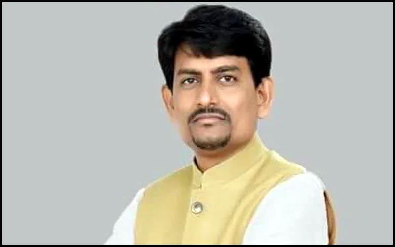 Alpesh Thakor Banaskantha 5 thousand workers can resign