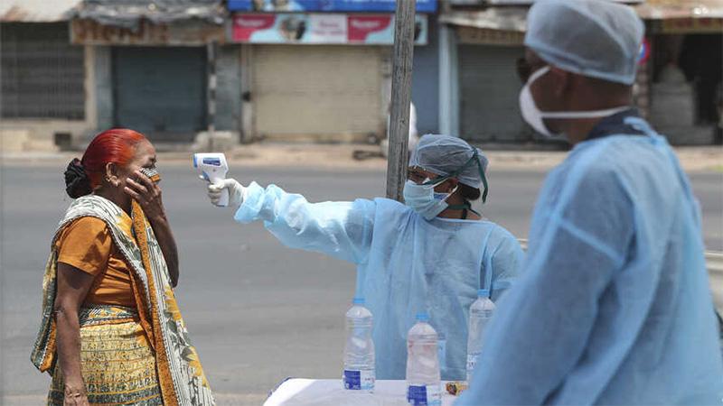 coronavirus in Gujarat Ahmedabad Gujarat district team come for health