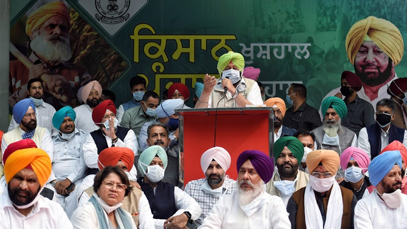 neither spineless nor a traitor like you amarinder singh to badals amid farmer protests