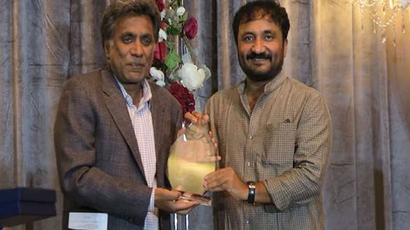 super 30 founder anand kumar honoured with education excellence award in us