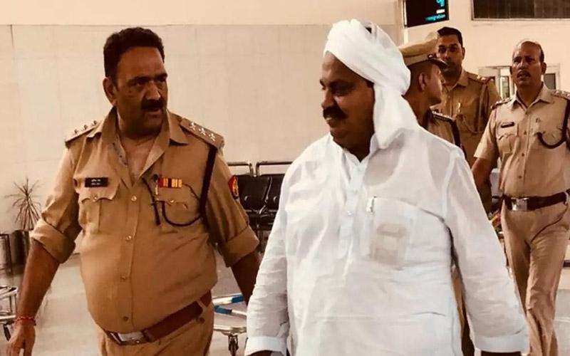 Mafia Atiq Ahmed Demanded for VIP Treatment in Sabarmati ahmedabad