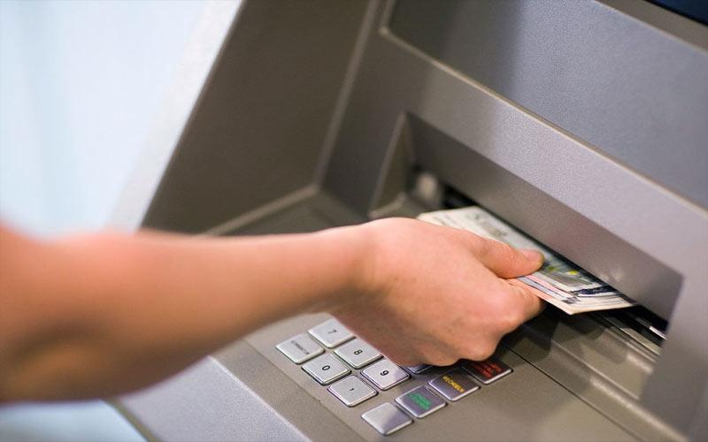 ATMમાં અટકી ગયા છે પૈસા તો આ રીતે મેળવી શકો છો પાછા