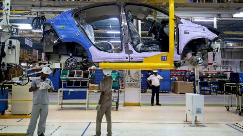 bad phase for indian auto sector 3 5 lakh job cuts in 4 month marutis production halt and tata motors closed plant
