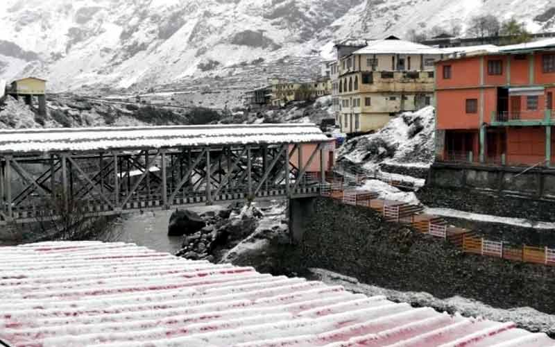 Badrinath-Kedarnath received fresh snowfall