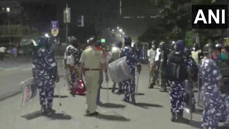 maharashtra nanded hola mohalla yatra upcoming attack on police four policemen injured