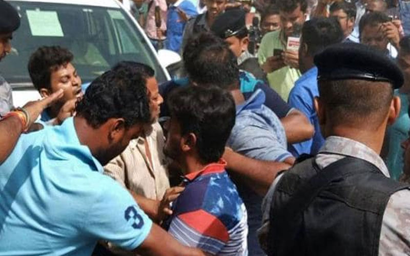 bengal mamata banerjee government teacher protest police