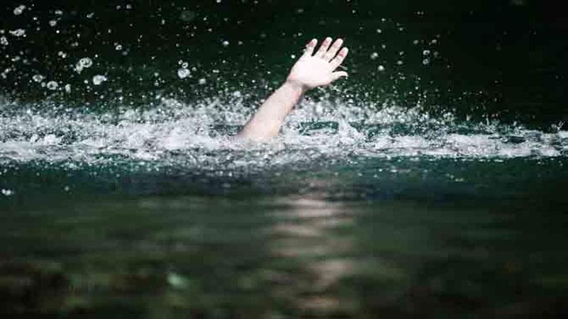two dead 3 rescue in narmada river vadodara